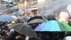 Hong Kong: la police utilise des canons à eau pour la première fois