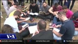 Protestë para Kishës Ortodokse serbe