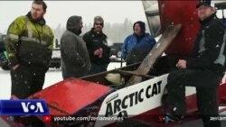 Alaskë, gara me makina mbi liqenin e ngrirë