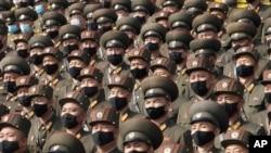 지난달 10월 북한 평양 김일성 광장에서 노동당 대표자 대회 환영 집회에 참가한 군인들.