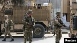 د امریکا په مشرۍ د ناټو ځواکونه په ۲۰۰۱ کال کې وروسته تر هغه افغانستان ته ولاړل چې په امریکا ترهګریز بریدونه وشول