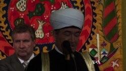 Russia Courts Crimea's Tatar Muslims