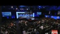 希拉里克林頓與桑德斯圍繞移民問題辯論