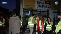 İzmir'de Evsizlerin İçini Isıtan Çorba Değil 'Merhaba'