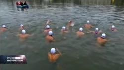 PRAG: Tradicionalna utrka u hladnoj rijeci