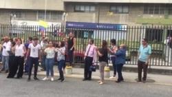 Venezolanos toman las calles en apoyo a la ayuda humanitaria