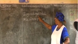 Igreja kinbanguista ensina língua africana Mandombe 2:15