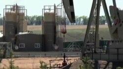 نفت در بازارهای جهان به زیر ۴۹ دلار در بشکه رسید
