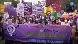 İzmir'de Coşkulu 8 Mart Kutlaması