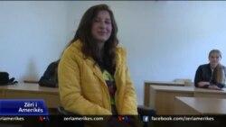 17-vjeçarja e paralizuar ëndërron të bëhet psikologe