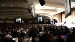 2015-04-26 美國之音視頻新聞:白宮記者晚宴﹐總統談笑風生