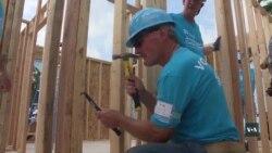 Що спонукає президента Картера у 93 працювати на будівництві. Відео
