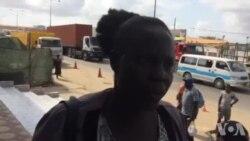 """Mãe do réu Mbanza Hamza diz que os militares têm """"sentado"""", """"socado"""" o seu filho"""