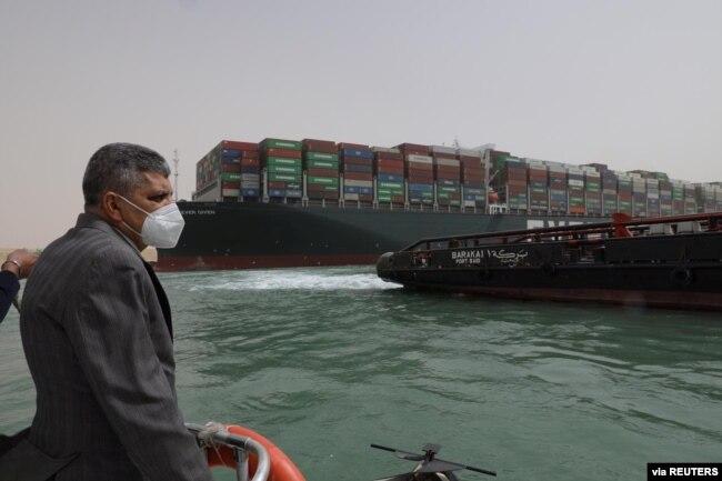 25 Mart 2021 - Süveyş Kanalı İdaresi Başkanı Usame Rabiye