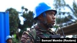 Un casque bleu servant dans la Mission de l'Onu pour la paix en RDC (MONUSCO) à Beni, dans la province du Nord-Kivu de la République démocratique du Congo, 17 novembre 2018. REUTERS/Samuel Mambo