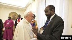 Papa Francisko na Perezida wa Sudani y'Epfo Salva Kiir