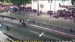 У Венесуелі майже 7 мільйонів проголосувало, щоб делегітимізувати Мандуро. Відео