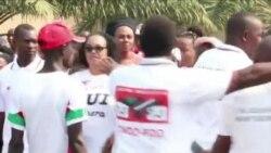 Les jeunes de Burundi protestent en faveur du gouvernement (vidéo)