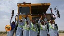 تھر کی ڈمپر ڈرائیورز خواتین