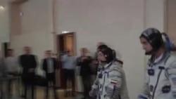 日俄美宇航员太空传递奥运火炬