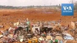 Nettoyage après des explosions meurtrières de Bata
