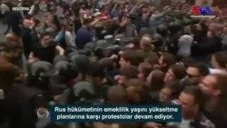 Rusya'da Yüzlerce Protestocu Gözaltına Alındı
