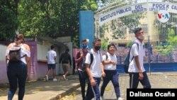 Los nicaragüenses han adoptado medidas preventivas por cuenta propia, mientras el gobierno niega que exista el contagio comunitario en el país.