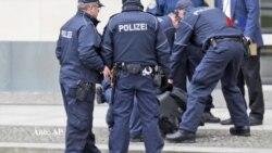 Một người đàn ông đe doạ đánh bom toà đại sứ Mỹ ở Berlin