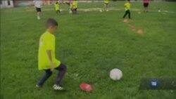 Як у США працюють мережі безкоштовних футбольних гуртків для дітей. Відео