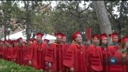 Менше іноземних студентів подало заявки на вступ до американських університетів цього року. Відео