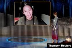 Chloe Zhao Nomadland filmiyle En İyi Yönetmen ödülünü kazandı