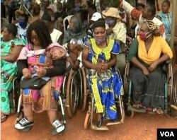 People disabled by leprosy, in Yaounde, Jan. 31,2021. (Moki Edwin Kindzeka/VOA)