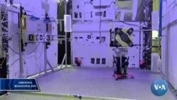 Koinotdagi yordamchi robotlar