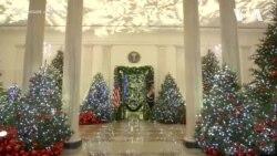Меланія Трамп показала Білий дім, прикрашений до Різдва. Відео
