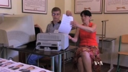 Intimidation Mars Donetsk Preparations for Sunday's Ukraine Vote