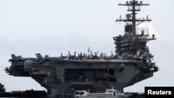 Le USS Theodore Roosevelt à l'entrée du port de Da Nang, au Vietnam, le 5 mars 2020. (Photo: Reuters)