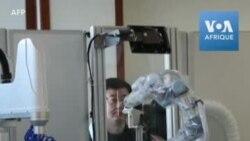 Dites aah: en Chine, des robots pour pratiquer les tests Covid