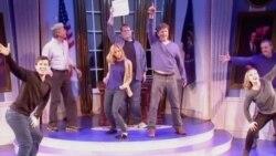 美国万花筒:克林顿音乐剧外百老汇上演,复仇者联盟横扫全球票房
