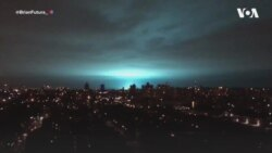Наступ прибульців? Моторошне сяйво над нічним Нью-Йорком налякало людей. Відео