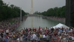 Crowds Fill Lincoln Memorial at U.S. July 4th Celebrations