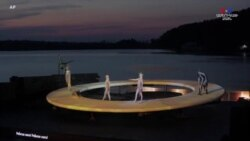 Օպերային երաժշտություն՝ լճի վրա պտտվող բեմահարթակից