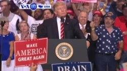 Manchetes Americanas 23 Agosto: Manifestações em comício de Trump