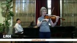 Une baguette de chef d'orchestre pour malvoyants