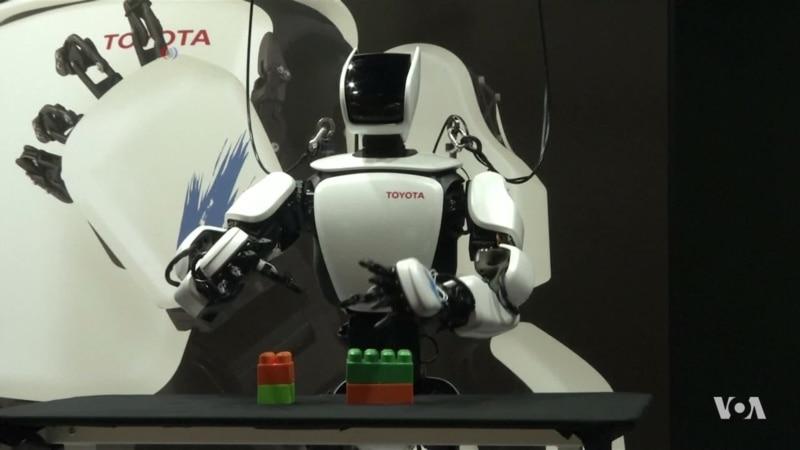 Toyota Unveils a New Robot That Mimics its Operator's Movements
