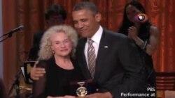 Carole King es reconocida