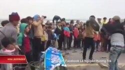 Dân Kỳ Anh lại chặn quốc lộ vì cá sông chết gần Formosa