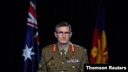 앵거스 캠벨 호주 합참의장이 지난 19일 캠버라에서 아프간 주둔 호주 특수부대원들이 민간인 살해 사건 관련 조사 내용을 발표하고 있다.