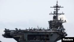 미 핵 추진 항공모함 시어도어 루스벨트호.