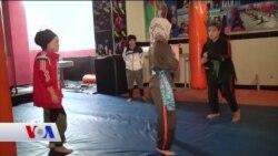 Kabil'de Kickboksu Sevdirmeye Çalışan Kadın