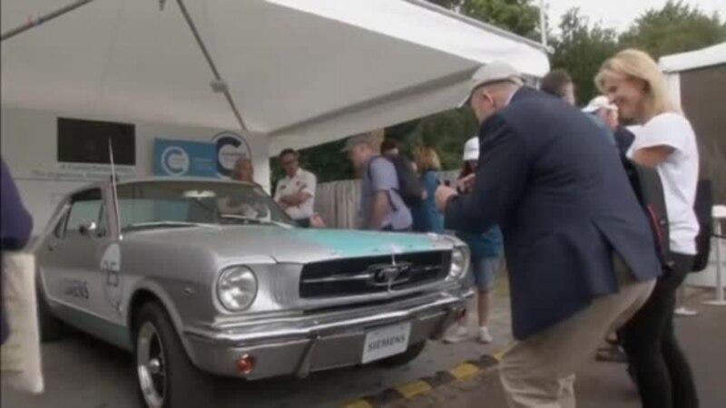 """""""Simens"""" opremio Mustanga iz 1965. da se kreće bez vozača"""